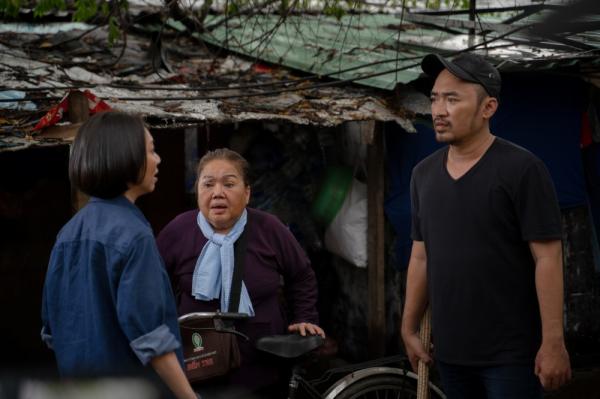 'Chuyện Xóm Tui' của Thu Trang - Tiến Luật gây sốt, vào thẳng lên Top 2 Trending 2