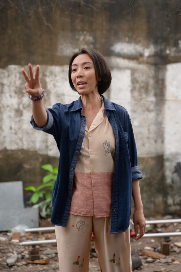 'Chuyện Xóm Tui' của Thu Trang - Tiến Luật gây sốt, vào thẳng lên Top 2 Trending 6