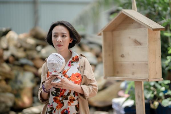 'Chuyện Xóm Tui' của Thu Trang - Tiến Luật gây sốt, vào thẳng lên Top 2 Trending 1