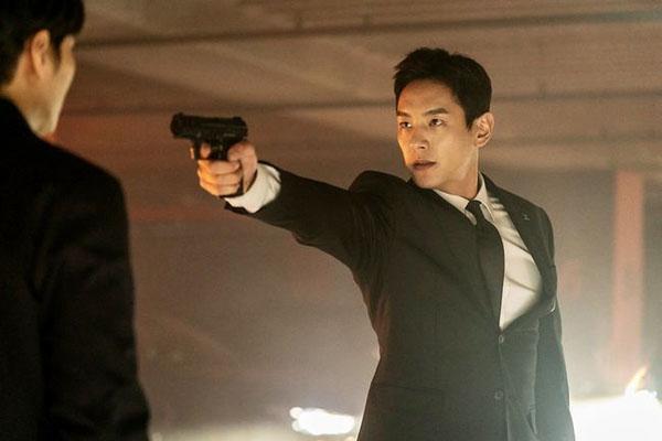 'Xứ sở Alice': 'Ông bố cực phẩm' Kwak Si Yang giảm 6kg cho vai diễn 1