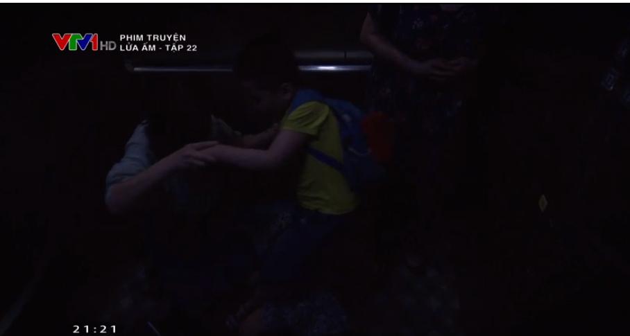 'Lửa ấm' tập 22: Thu Quỳnh thoát chết trong gang tấc nhờ sự xuất hiện kịp thời của tình cũ 3