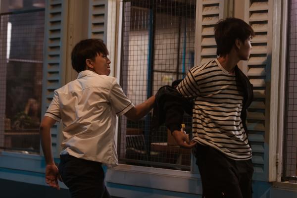 Han Sara quyết thoát mác 'đả nữ học đường' chỉ vì yêu, ai ngờ vướng tình tay ba 3