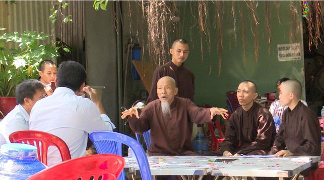 Những người tại 'Tịnh thất Bồng Lai' đều là giả sư!