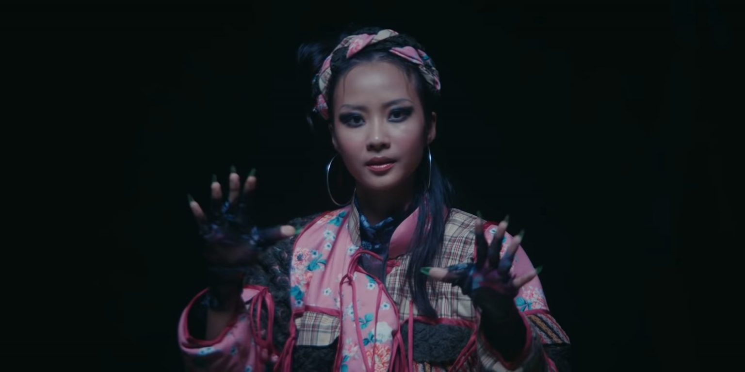 Suboi cùng ông xã tung MV mới cực trừu tượng, fan quốc tế khen tới tấp gọi là 'nữ hoàng rap Việt' 7