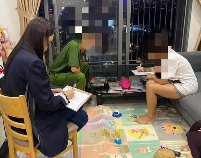 Hình ảnhmời công an đến làm việc với anti-fan được Hương Giang đăng tải.