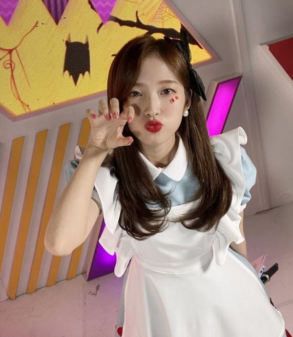 Sao Hàn chơi Halloween: Nancy làm Marilyn Monroe siêu nóng bỏng, cặp đôi Iz*One hóa thành Joker - Harley Quinn 8