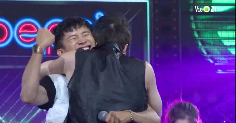 'Rap Việt' tập 14: Ricky Star và Lăng LD 'đại chiến', Rhymastic bỏ qua hiềm khích cũ 'cứu' thí sinh team Wowy 13