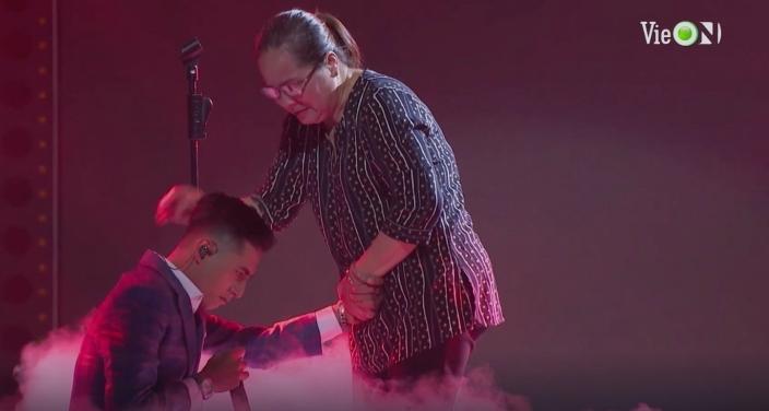 'Rap Việt' tập 14: Ricky Star và Lăng LD 'đại chiến', Rhymastic bỏ qua hiềm khích cũ 'cứu' thí sinh team Wowy 16