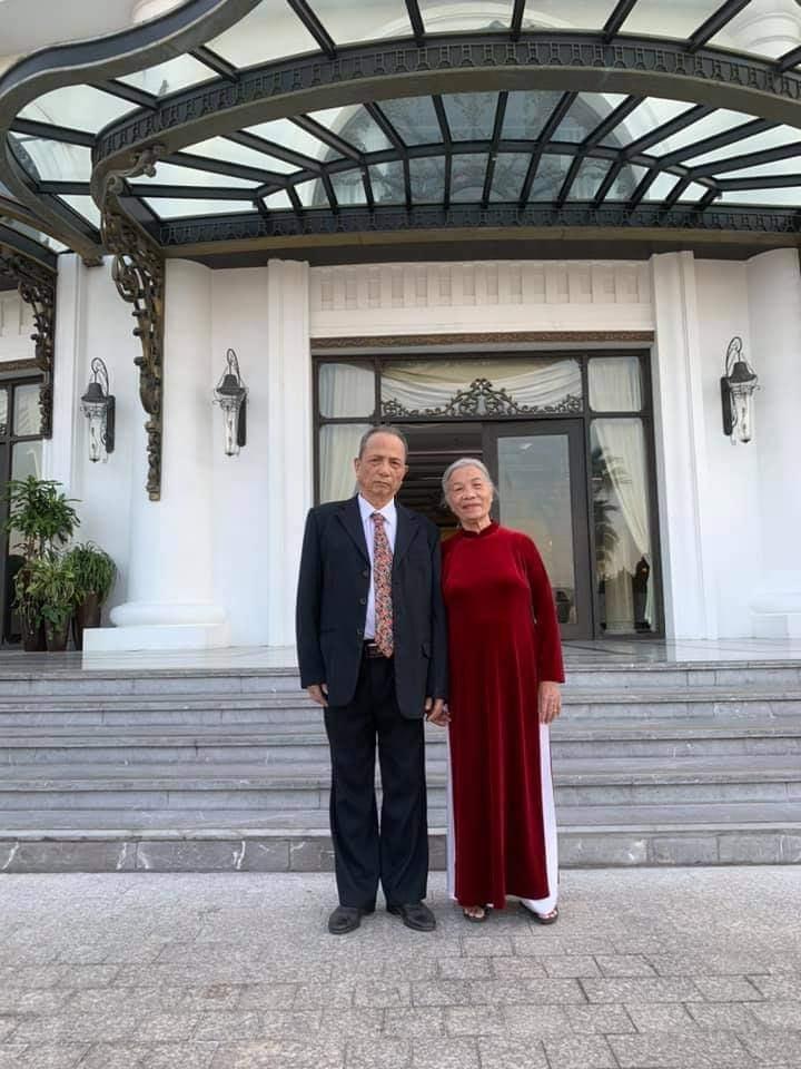 Ông bà đã có chuyến du lịch ''xịn sò'' kỷ niệm 62 năm ngày cưới.