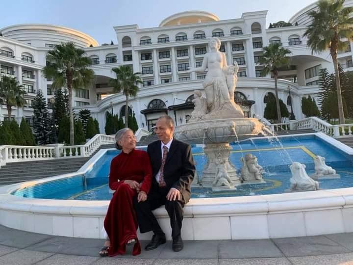 Ông bà vi vu đi chơi kỷ niệm 62 năm ngày cưới: Chàng sinh viên nghèo yêu say đắm tiểu thư Hà thành 2