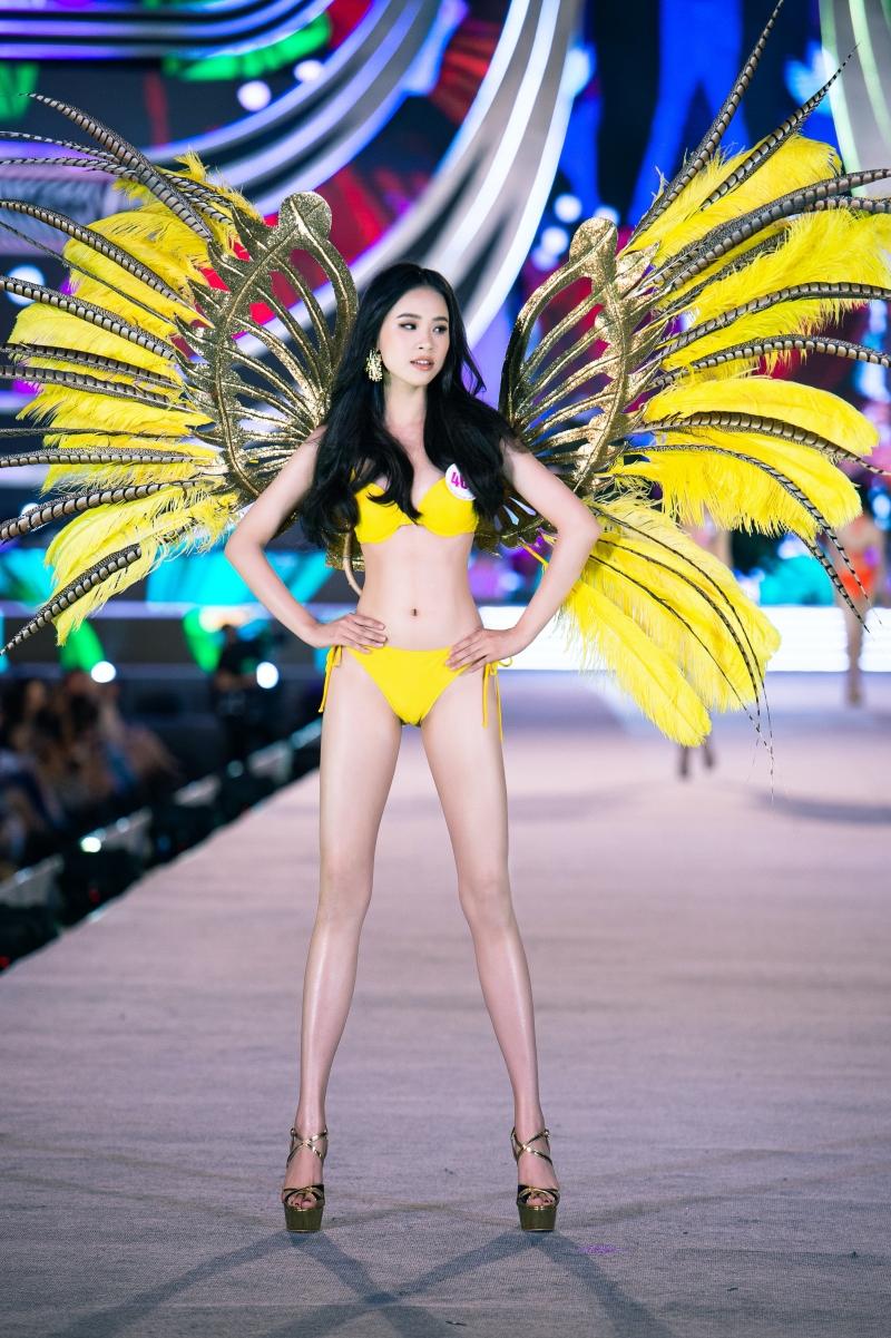 Top 5 Người đẹp biển Hoa hậu Việt Nam 2020: Toàn body 'bốc lửa' so kè Top 3 Hoa - Á hậu đương nhiệm 1
