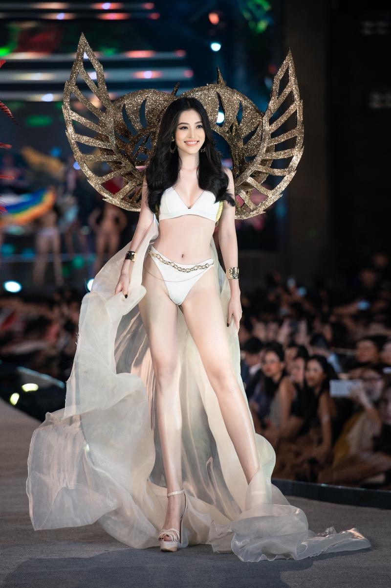 Top 5 Người đẹp biển Hoa hậu Việt Nam 2020: Toàn body 'bốc lửa' so kè Top 3 Hoa - Á hậu đương nhiệm 7