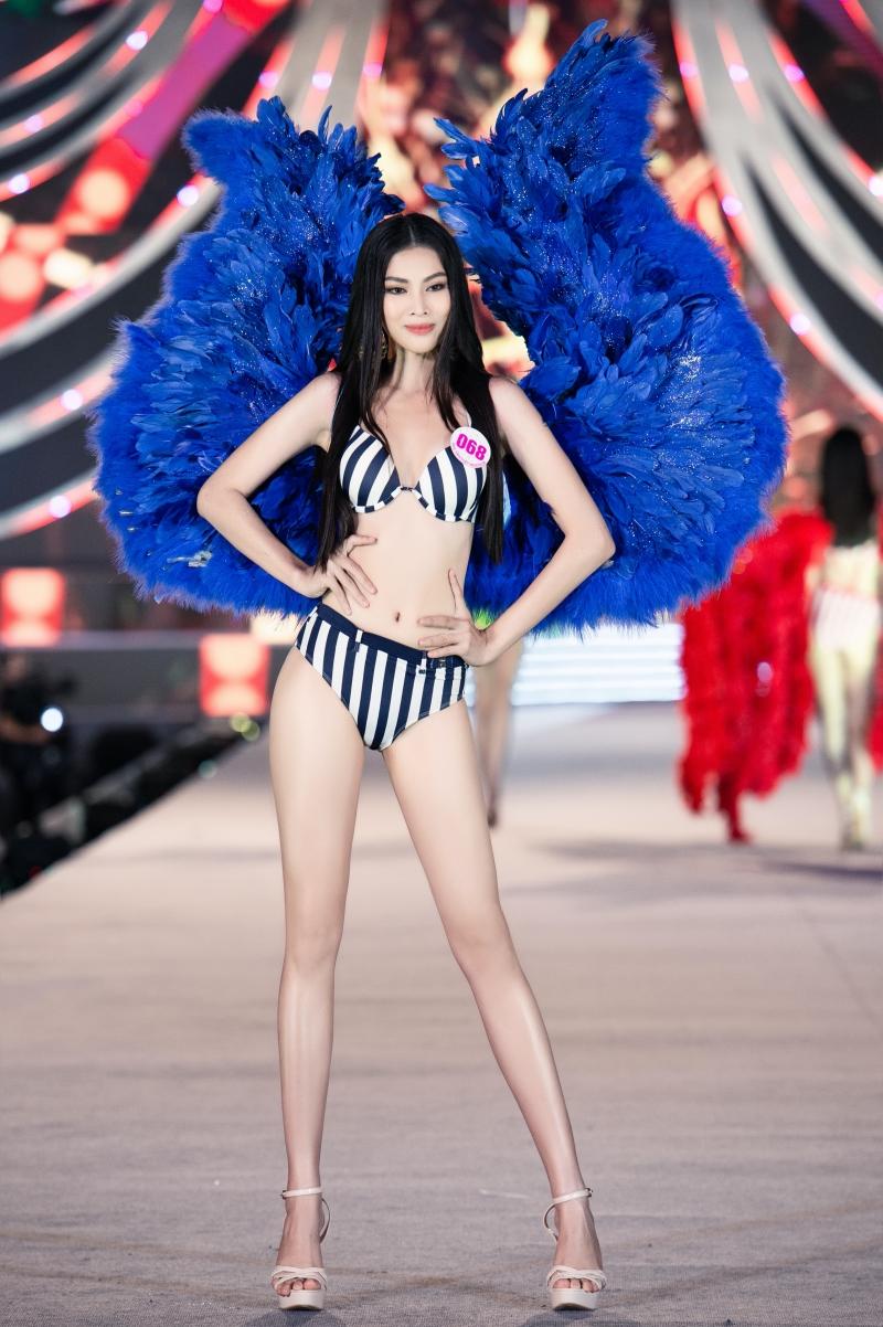 Top 5 Người đẹp biển Hoa hậu Việt Nam 2020: Toàn body 'bốc lửa' so kè Top 3 Hoa - Á hậu đương nhiệm 12