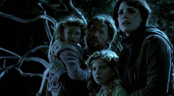 Những bà mẹ 'cuồng con' của phim ảnh: Có là tiên, người hay ma đều 'yêu' con đến mức phát sợ thế này đây 3