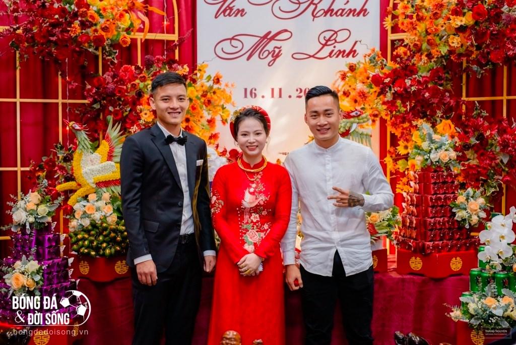 Hôm nay không chỉ mình Công Phượng mà 1 cầu thủ xứ Nghệ khác cũng tổ chức đám cưới 2