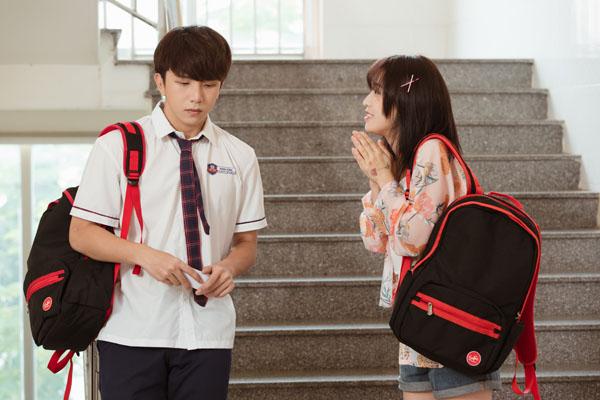 'Đừng làm bạn nữa' tập 3: Han Sara hướng dẫn Tùng Maru cách ôm hôn chuyên nghiệp và màn thị phạm 'thót tim' 3