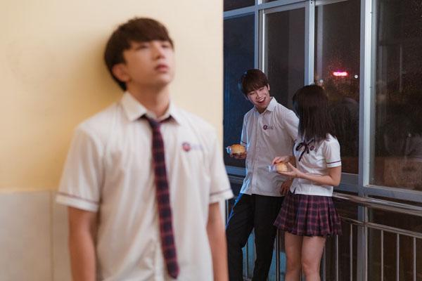 'Đừng làm bạn nữa' tập 3: Han Sara hướng dẫn Tùng Maru cách ôm hôn chuyên nghiệp và màn thị phạm 'thót tim' 5
