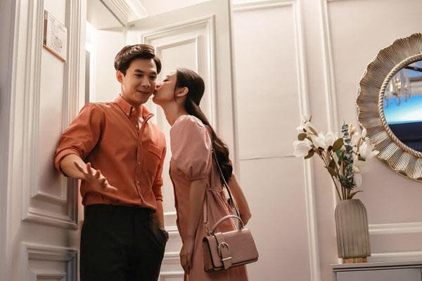 Hậu trường 'Chìa Khóa Trăm Tỷ': Jun Vũ đến tìm Anh Tú giữa đêm chỉ để hôn một cái 0