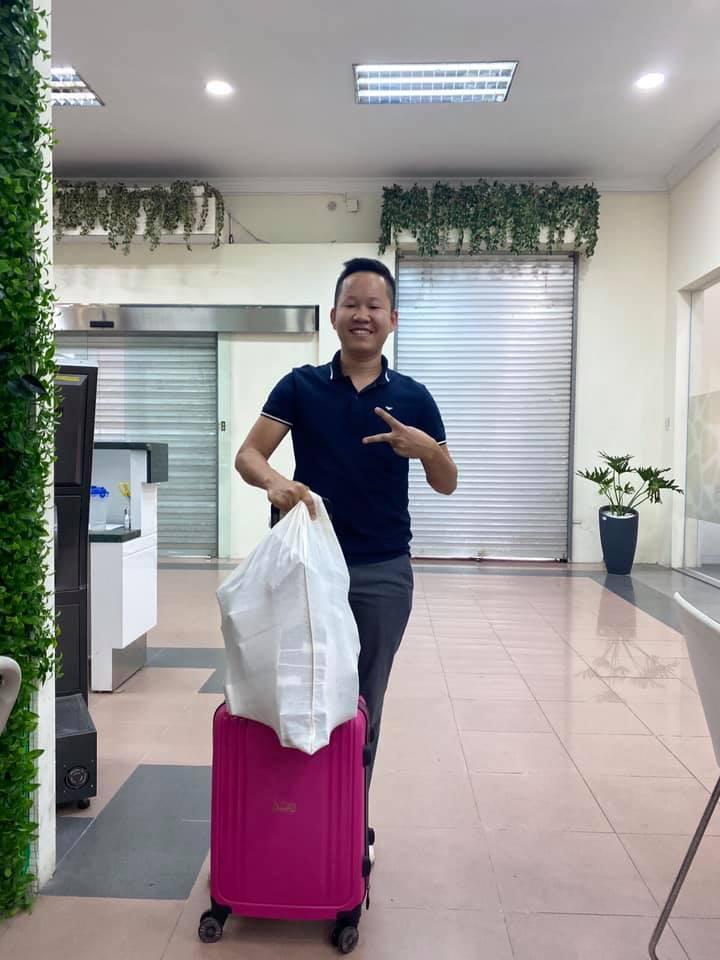 Thủy Tiên mang 'bao tải tiền', sẵn sàng hỗ trợ 7000 người dân ở Huế 3