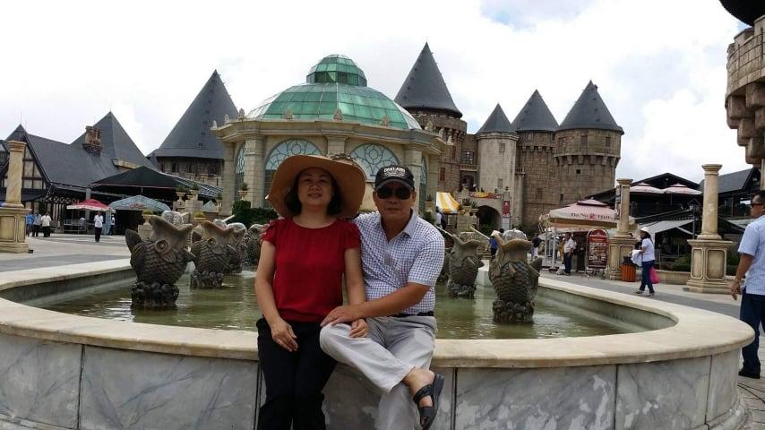 Cô gái kể chuyện tình của bố mẹ khiến mạng xã hội ngưỡng mộ: 30 năm cưới nhau nhưng vẫn gọi nhau là vợ chồng, qua đường phải nắm tay, sẵn sàng đưa nhau đi xem phim, du lịch 2