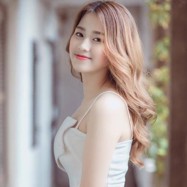 Hoa hậu Việt Nam 2020 Đỗ Thị Hà: Cô gái 'giấu cha mẹ' đi thi và chỉ dám thú nhận khi vào bán kết 7