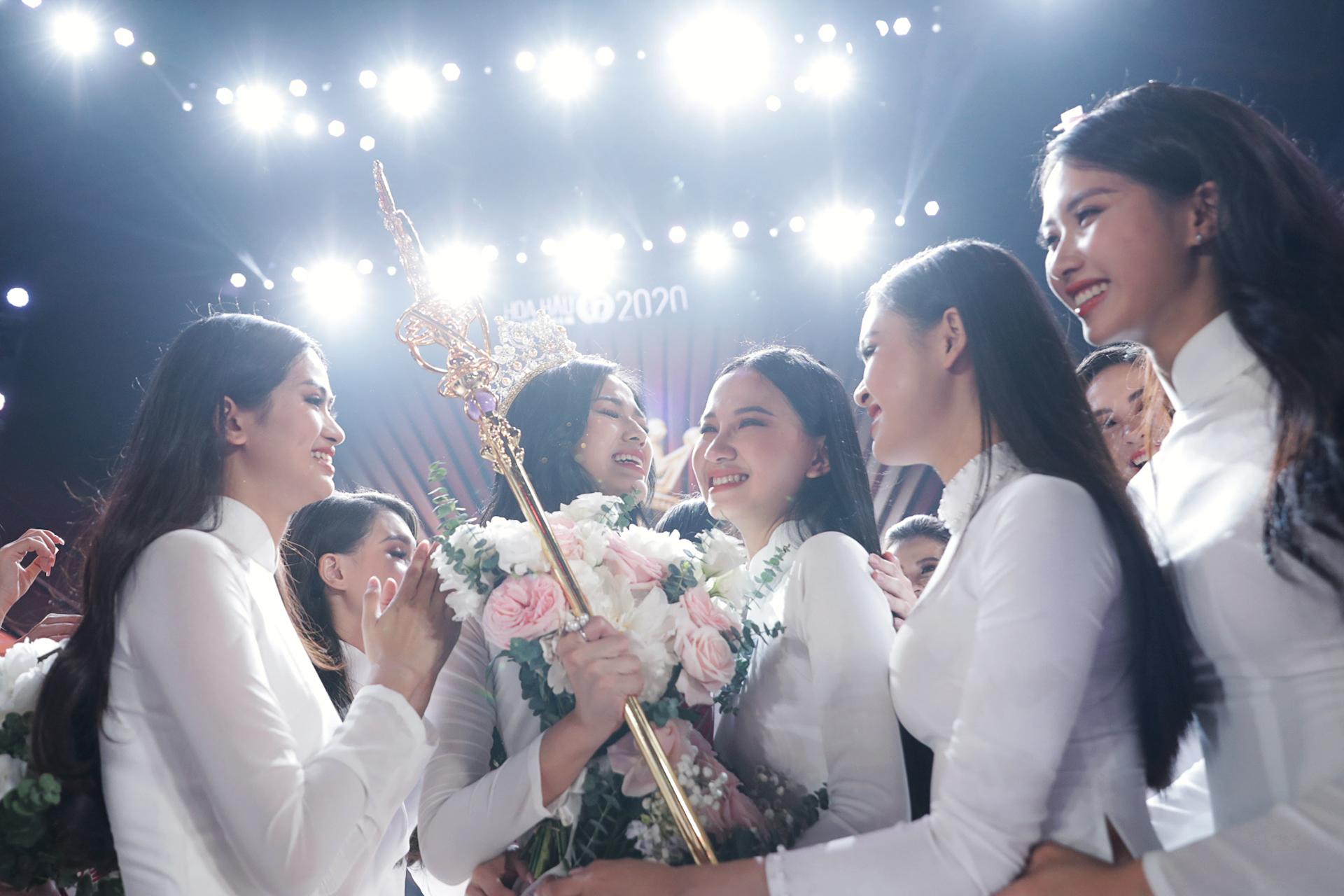 Đỗ Thị Hà đăng quang ngôi vị Hoa hậu Việt Nam 2020.