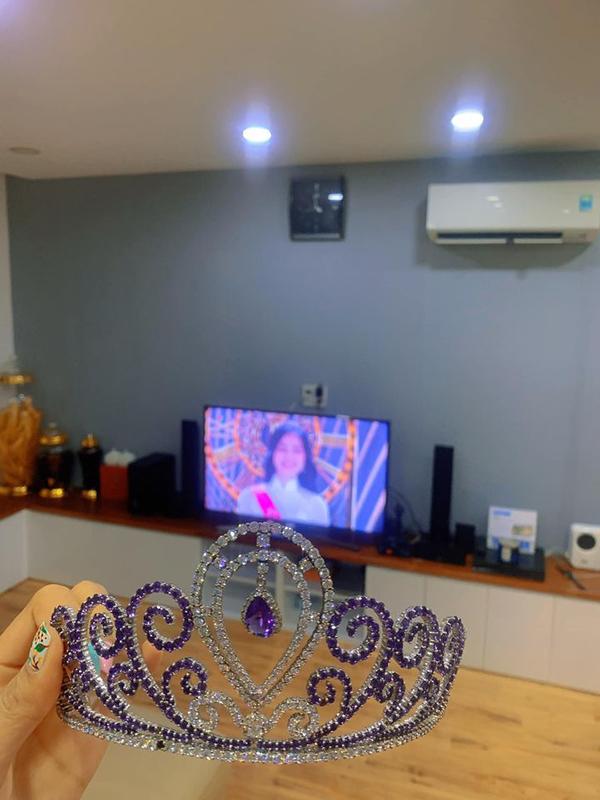 Chiếc vương miện của Hoa hậu Thế giới người Việt Lưu Thị Diễm Hương