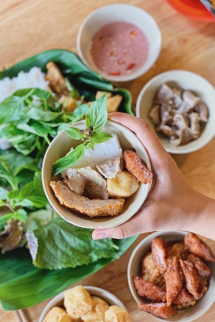 Quán bún đậu nổi tiếng Sài Gòn với nhiều chi nhánh.