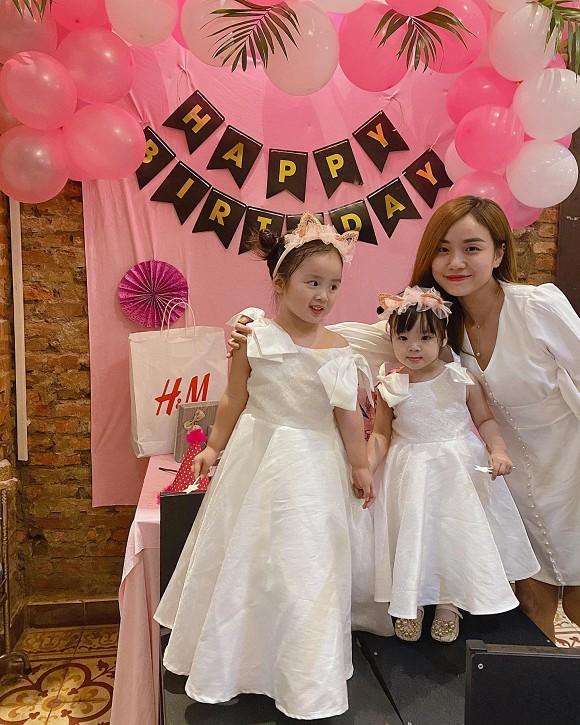 Bảo Ngọc tổ chức sinh nhật cho con gái đầu lòng.