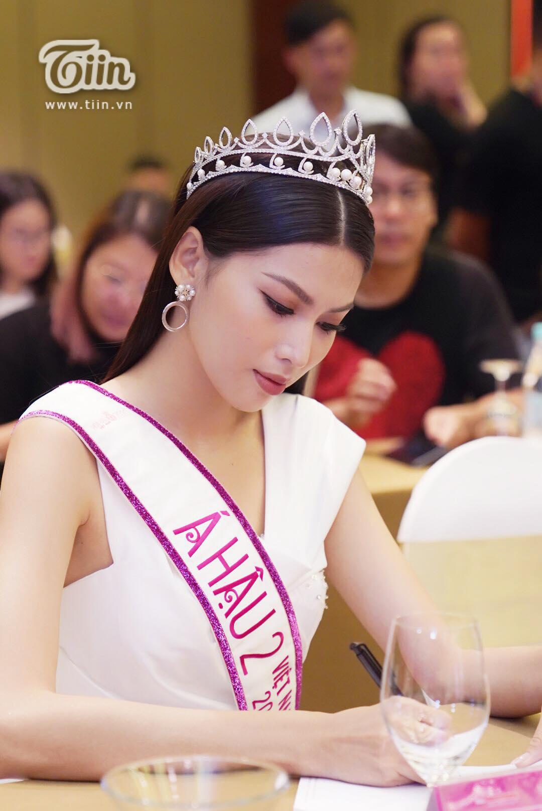 Á hậu 2 Ngọc Thảo lên tiếng về chuyện từng trình diễn với trang phục 'thiếu vải': 'Đây là công việc kiếm sống để nuôi bản thân và các em' 2