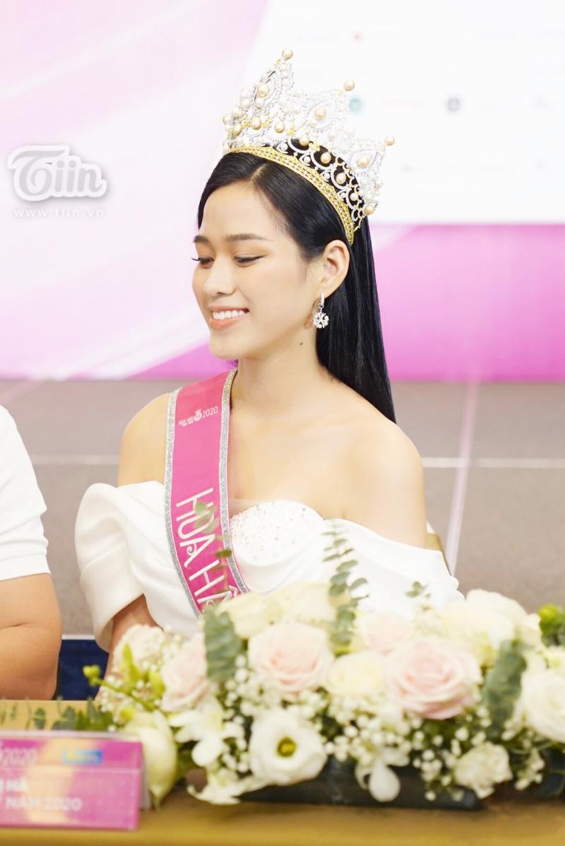 Điểm thi đại học của Hoa hậu Việt Nam 2020 Đỗ Thị Hà được tiết lộ 1