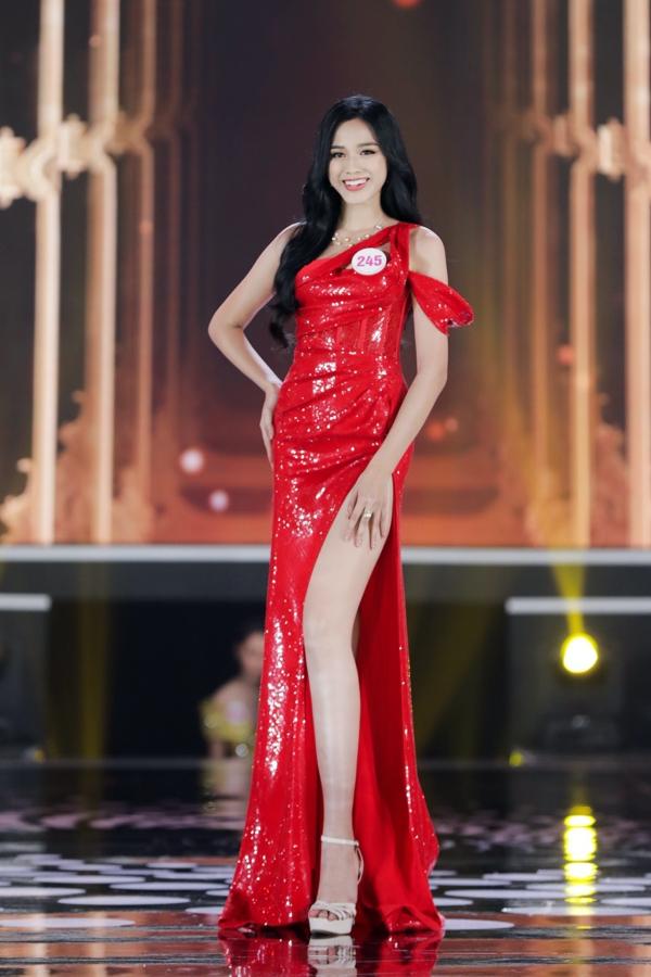 Điểm thi đại học của Hoa hậu Việt Nam 2020 Đỗ Thị Hà được tiết lộ 4