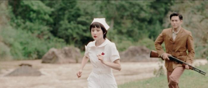 Hiền Hồ hôn đắm đuối người yêu trong MVquy tụ gần 100 diễn viên phụ 3