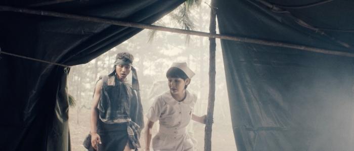 Hiền Hồ hôn đắm đuối người yêu trong MVquy tụ gần 100 diễn viên phụ 4