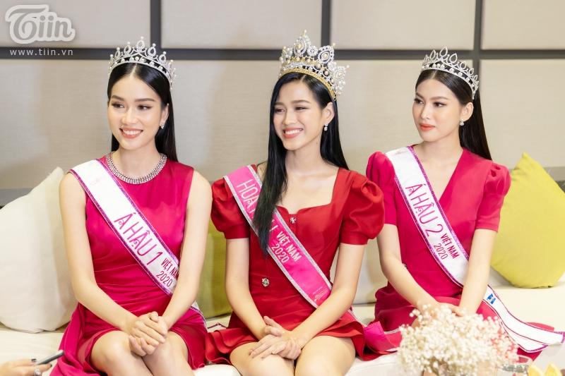Hoa hậu Đỗ Thị Hà: 'Được khuyên nên khóa Facebook, tôi còn hồn nhiên hỏi lại 'sao phải khoá?' 9