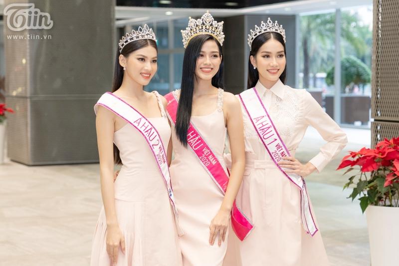 Hoa hậu Đỗ Thị Hà: 'Được khuyên nên khóa Facebook, tôi còn hồn nhiên hỏi lại 'sao phải khoá?' 15