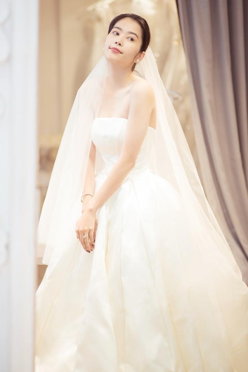 Nam Em rạng rỡ mặc váy cưới, 'chuyện tốt' với Lãnh Thanh đã đến gần? 0