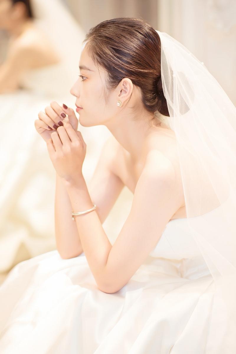 Nam Em rạng rỡ mặc váy cưới, 'chuyện tốt' với Lãnh Thanh đã đến gần? 4