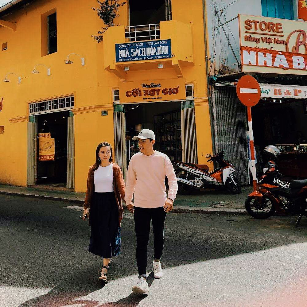 Bức tường vàng huyền thoại tiệm bánh Cối Xay Gió nổi tiếng Đà Lạt sẽ biến mất sau 1 tuần nữa 1