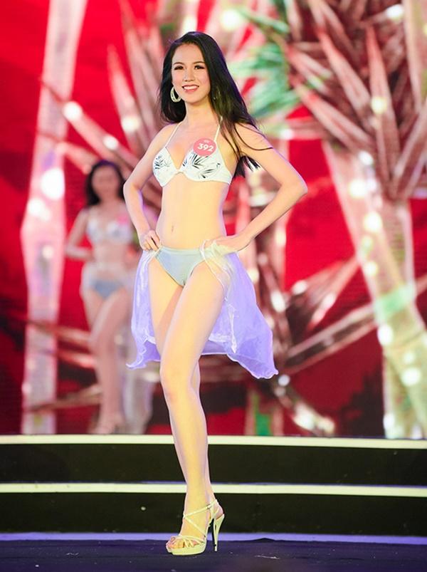 Trang phục Bikini tại các cuộc thi Hoa hậu dạo gần đây: Không bị chê 'diêm dúa' thì cũng suýt làm thí sinh 'lộ hàng' 6