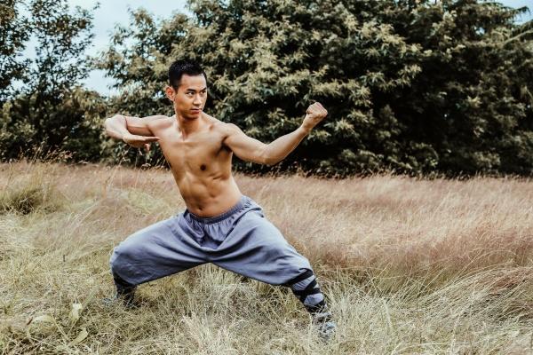Diễn viên gốc Việt tham gia nhiều bom tấn Hollywood gây chú ý với vai chính đầu tiên trong phim 'Võ sinh đại chiến' 1