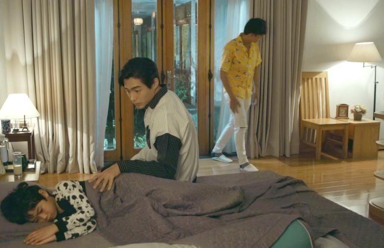 'Chọc tức vợ yêu' tập 21: Bị 'khóa' chung giường cùng Gia Bách, Nhã Đan kề cận chủ tịch trong tình huống 'lửa gần rơm' 0