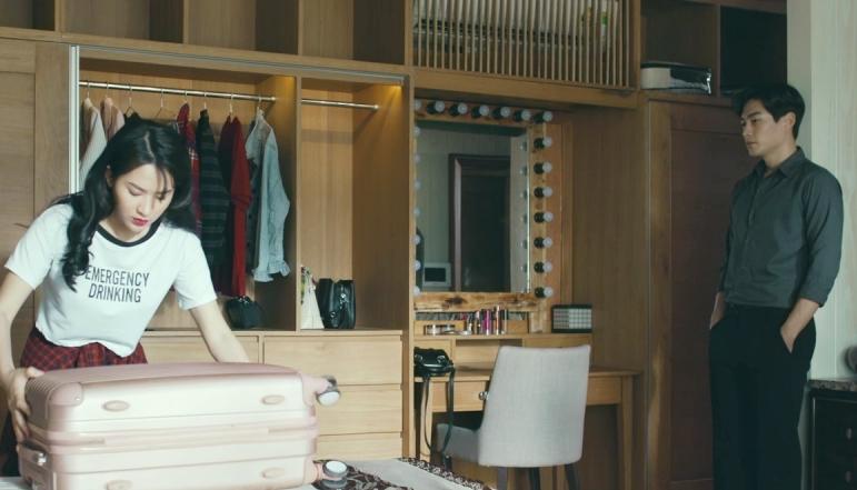 'Chọc tức vợ yêu' tập 21: Bị 'khóa' chung giường cùng Gia Bách, Nhã Đan kề cận chủ tịch trong tình huống 'lửa gần rơm' 11