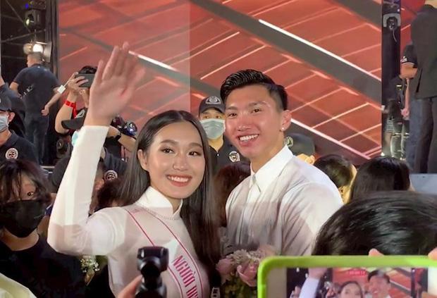 Hải My - Văn Hậu trong đêm chung kết Hoa hậu Việt Nam 2020