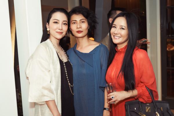 Giáng My, Diva Hồng Nhung chúc mừng NTK Li Lam ra mắt BST 'Lam River' 0