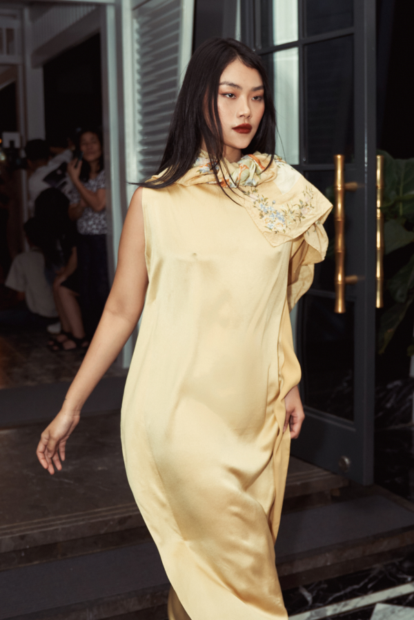 Giáng My, Diva Hồng Nhung chúc mừng NTK Li Lam ra mắt BST 'Lam River' 8