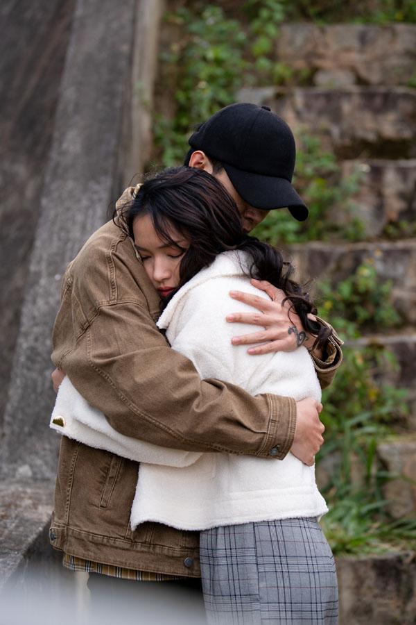 Châu Bùi trở thành 'châu báu' của Anh Tú trong 'Chị Mười Ba: 3 Ngày Sinh Tử' 2