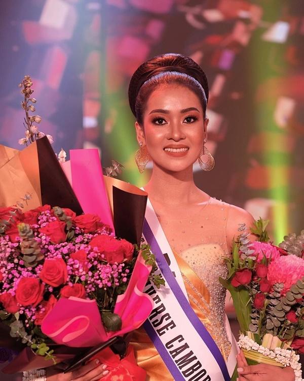 Tân Á hậu 1 Hoa hậu Hoàn vũ Campuchia -Raksa Chhun.