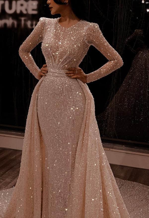 Giá của chiếc váy vẫn được giữ bí mật.