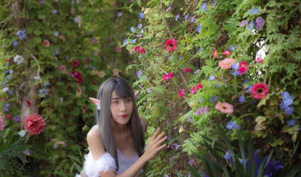 Thủy Tiên hoá 'yêu nữ', đẹp ma mị trong MV với loạt thiết kế của Nguyễn Tiến Truyển 5
